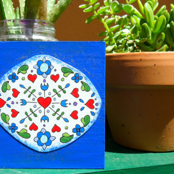 Art Block -  dutch blue tile design with hearts and flowers oval