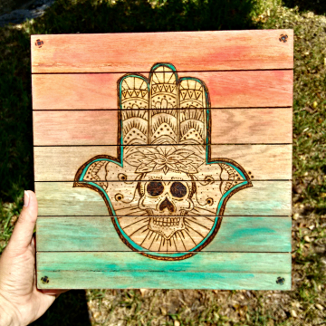 Hand of Fatima Hamsa mini wood pallet
